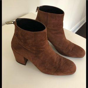 Stuart Weizmann saddle brown suede boots